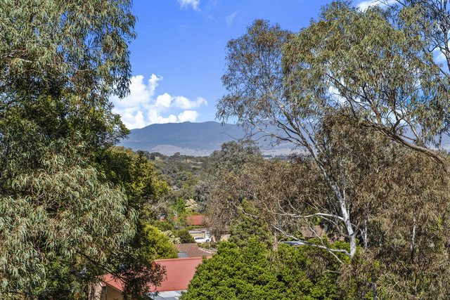 8 North Place, Charnwood ACT 2615
