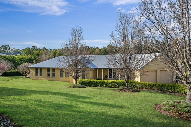 65 Hilldale Drive, Bolwarra Heights NSW 2320