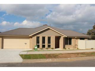 2/1 Eyre Ct