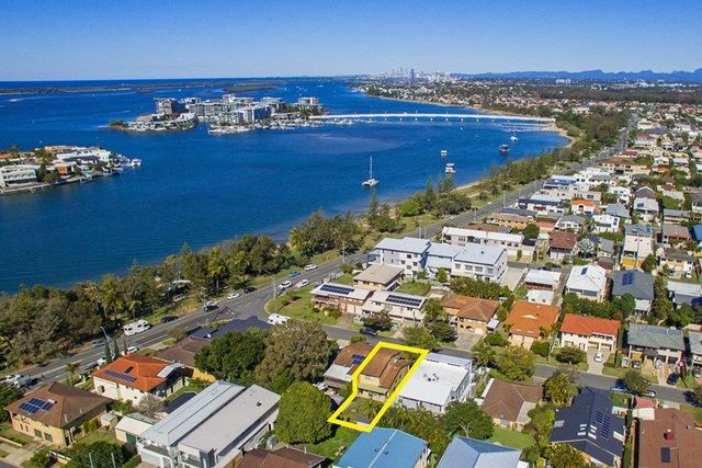 1/3 Muscovey Avenue, Paradise Point QLD 4216
