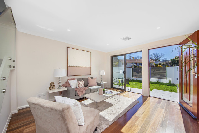 2/52 Collings Street, Pearce ACT 2607