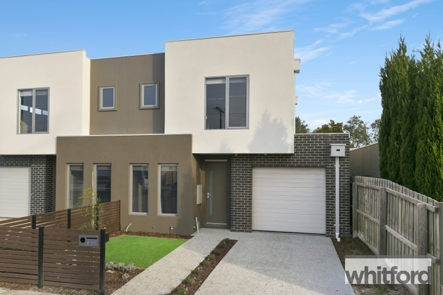 2/11 Noble Street, Newtown VIC 3220