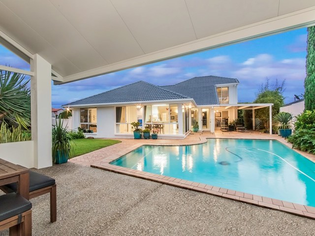 43 Montevideo  Drive, Clear Island Waters QLD 4226