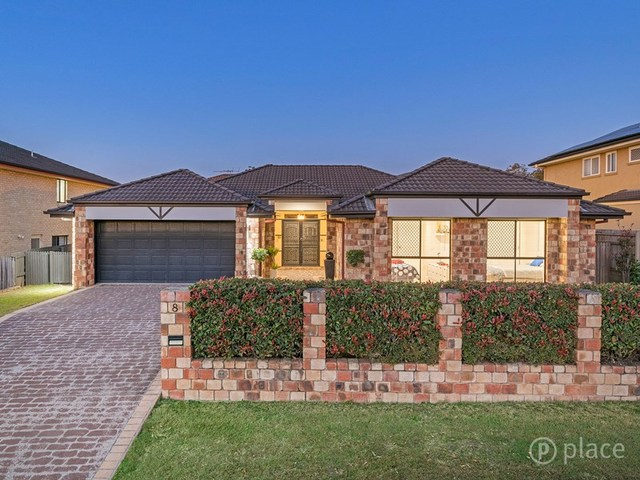 8 Mitchell Place, Parkinson QLD 4115