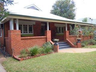 68 Larmer Street Narrandera NSW 2700