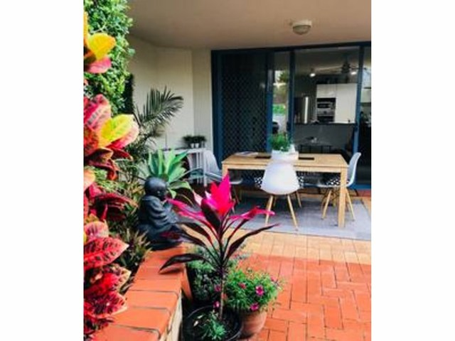 Main Place, 32 Cronin Avenue, Main Beach QLD 4217