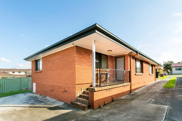 Unit 2/47 Antrim Avenue, Warilla NSW 2528
