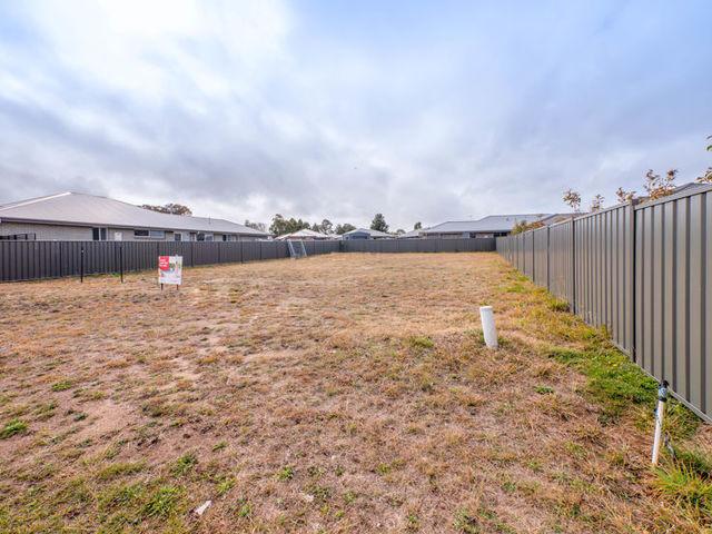 23 Holmfield Drive, NSW 2350