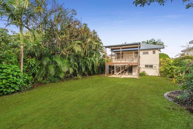 25 Walnut Street, Wynnum QLD 4178