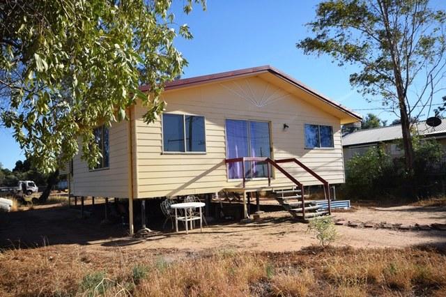 139 Falcon Street, Longreach QLD 4730