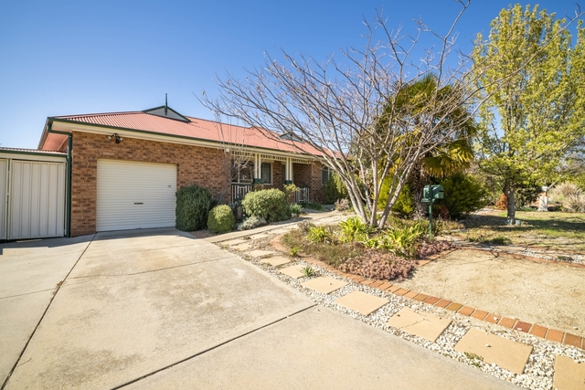 25 Marril Street, Queanbeyan West NSW 2620