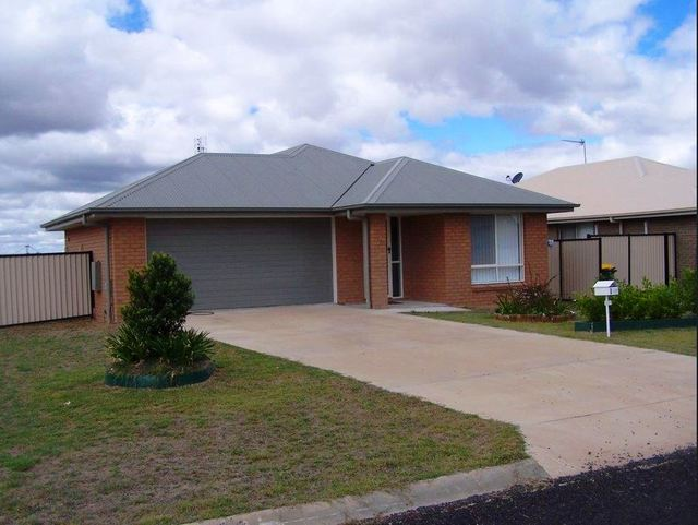 1 Henry Court, QLD 4421