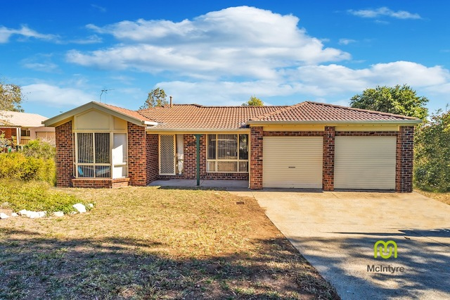 54 Ina Gregory Circuit, Conder ACT 2906