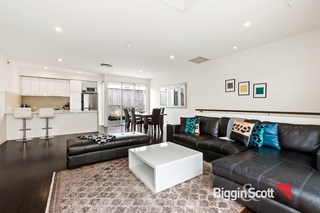 2/31 Spencer Place