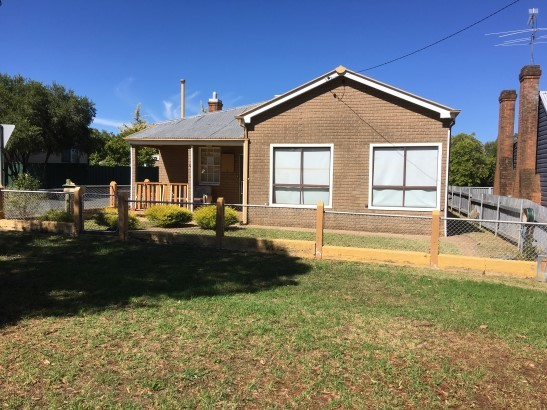 5 Young Street, Grenfell NSW 2810
