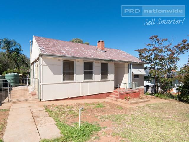 141 MacLeay Street, Mount Austin NSW 2650