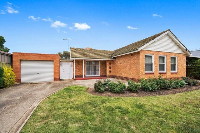 15 Lucerne Grove, Findon SA 5023