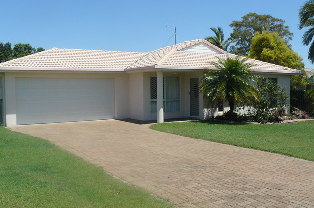 6 Masters Court, Urraween QLD 4655