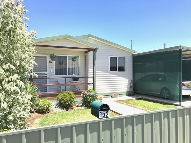 152 Parker Street, Hay NSW 2711