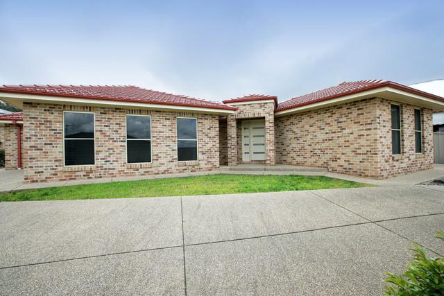 2/81 Atherton Crescent, Tatton NSW 2650