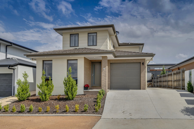 15 James McAuley Crescent, ACT 2611