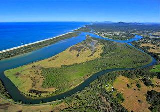 232 Urunga Island