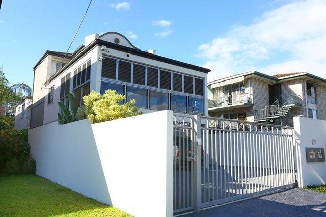 1 & 2/27 Lenneberg Street, Southport QLD 4215