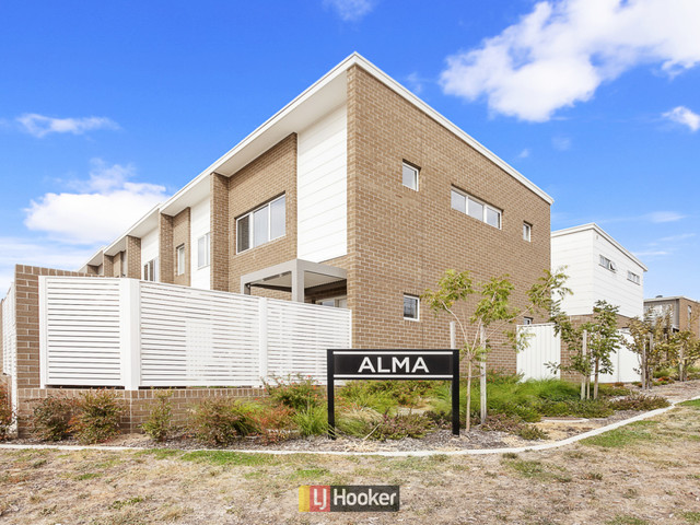 3/33 Arthur Blakeley Way, Coombs ACT 2611