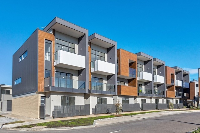 27 Tribeca Drive, Point Cook VIC 3030