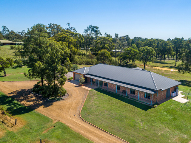 160 Londons Road, Lovedale NSW 2325