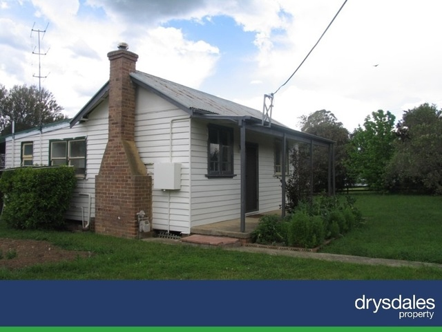 11 Beaconsfield Road, Moss Vale NSW 2577