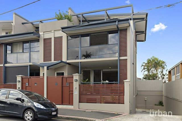 1/252 Given Terrace, QLD 4064