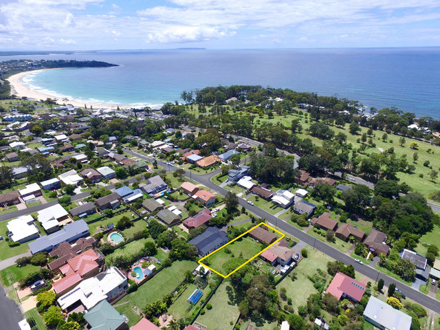 33 Clissold Street, Mollymook NSW 2539
