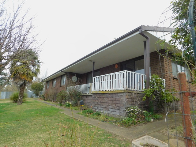 28 Mort Street, Bombala NSW 2632