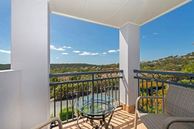 15/1 Hervey Street, Pacific Pines QLD 4211
