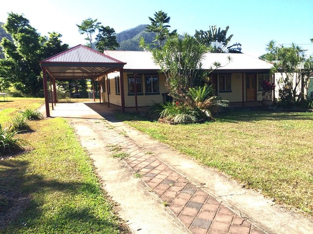 141 Bryant St, Tully QLD 4854