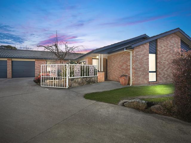 9 Hain Place, Gilmore ACT 2905