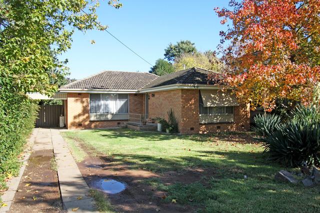 8 Thomas Street, Wagga Wagga NSW 2650