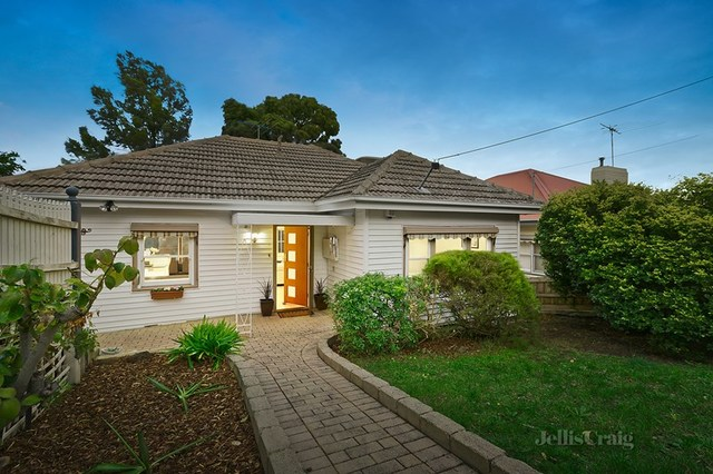 19 Hackett Street, Pascoe Vale South VIC 3044