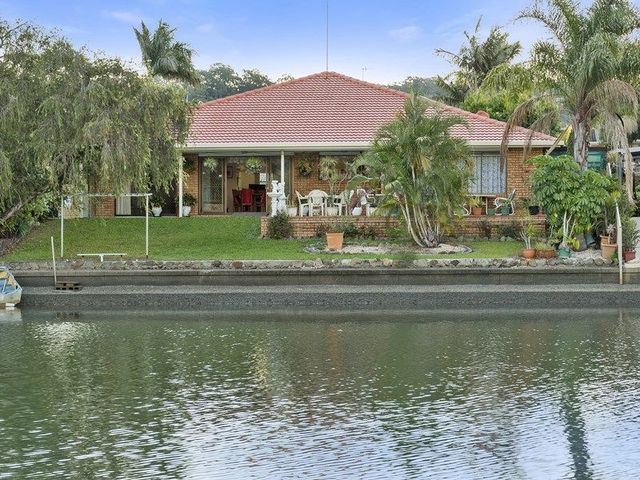 6 Headsail Court, Currumbin Waters QLD 4223