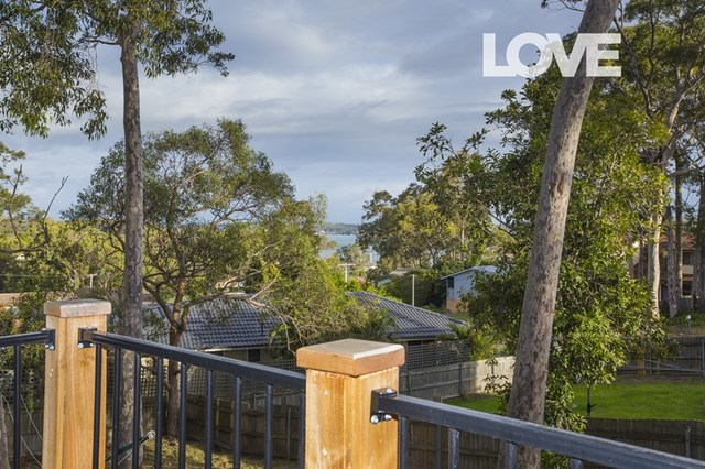 24 Quigley Road, Bolton Point NSW 2283