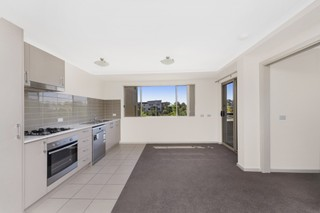 56/64 Kings Canyon Street