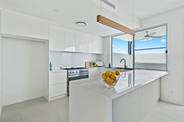 18/14 Coral Sea Drive, Pelican Waters QLD 4551