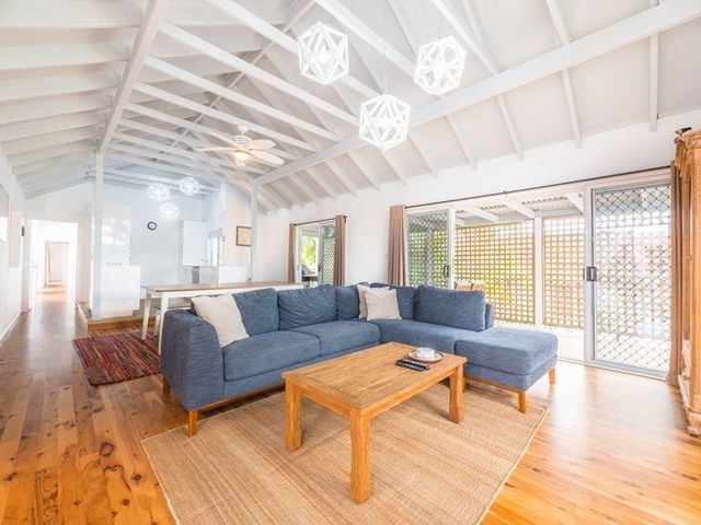 22 Hume St, Golden Beach QLD 4551