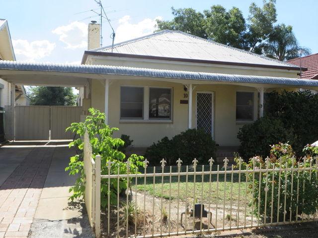10 Norman Street, Turvey Park NSW 2650