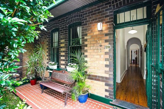 29 Frampton Avenue, NSW 2204