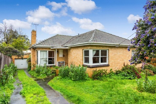 93 Kenmare St, Mont Albert North VIC 3129