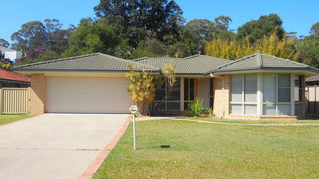 7 Lake Court, Urunga NSW 2455