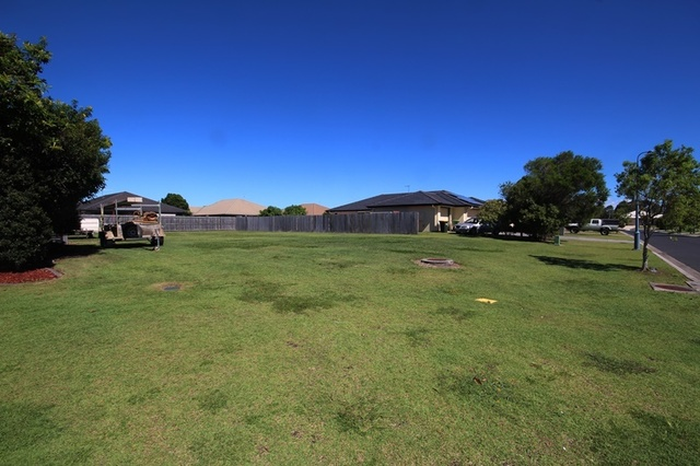 16 Dewdrop Place, Ningi QLD 4511