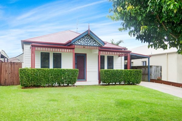 12 Irving Place, Sippy Downs QLD 4556